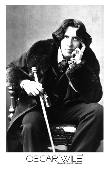 OSCAR WILE: OSCAR WILDE AS IN A SLEEVE